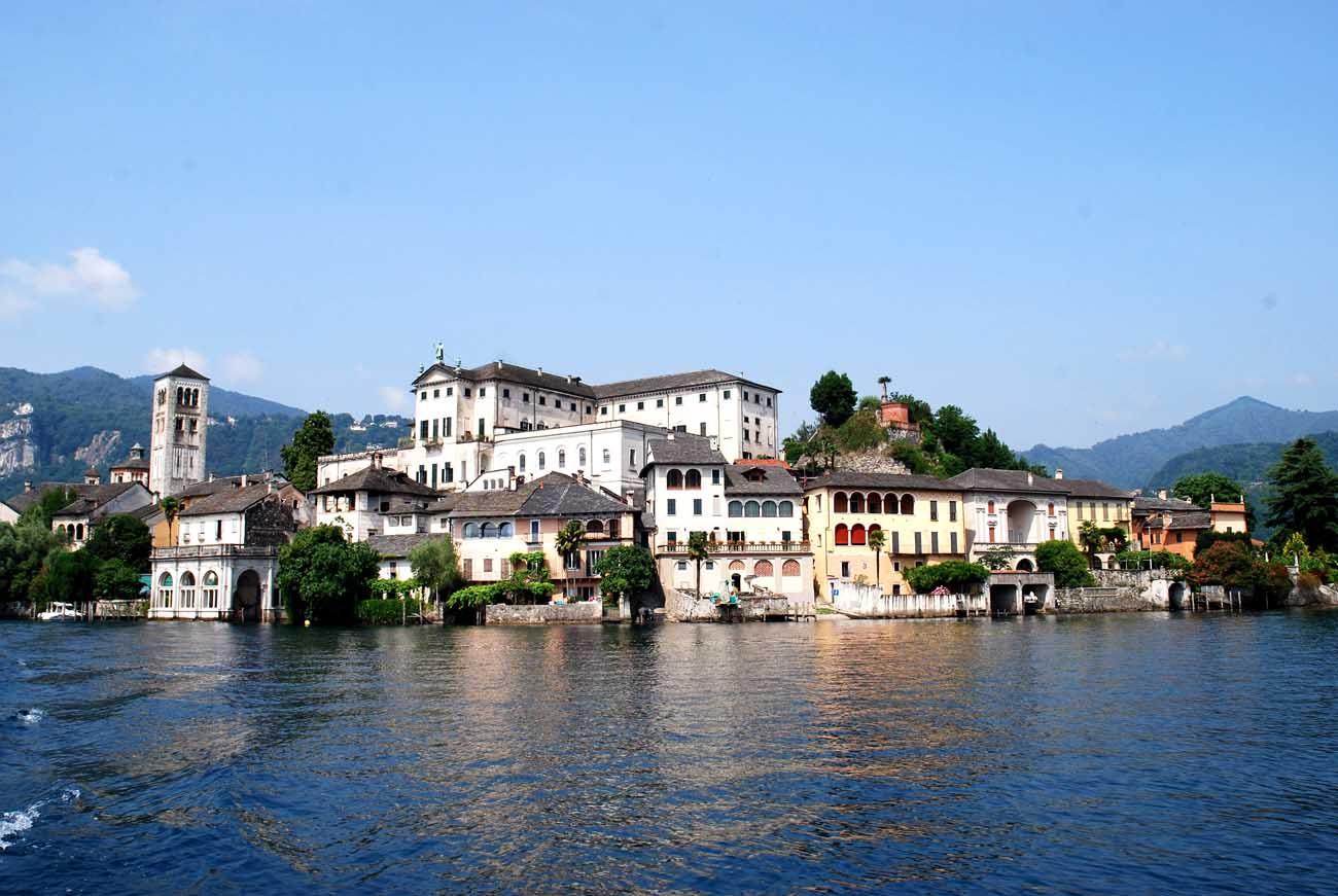 Lago d'Orta San Giulio vista panoramica